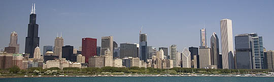 CHICAGO SKYLINE, SEARS TOWER ON SHORE OF LAKE MICHIGAN