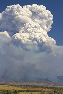 Pyrocumulus cloud tops wildfire east of Boise near Mayfield.